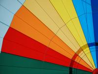 In Hessen gibt es zahlreiche Angebote zum Fliegen in einem Ballon.
